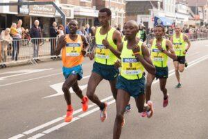 marathon, runners, exercise-498500.jpg